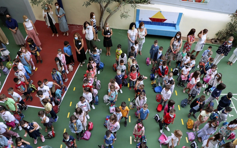 greek-schools-reopen-with-regular-testing-for-unvaccinated1