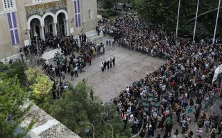 mikis-theodorakis-heads-to-final-resting-place