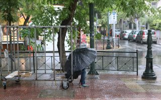 storm-causes-power-outages-in-athens