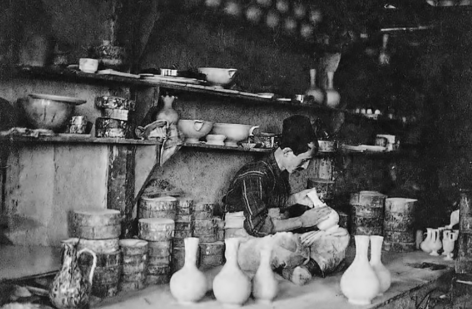 pottery-from-a-bygone-city-and-era5
